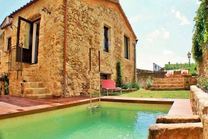 Balmy Villa in Pals with Private Swimming Pool