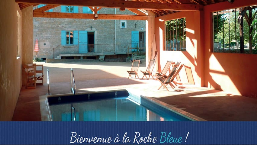 Grande maison familiale avec jardin clos - La Roche-Vineuse - Hus