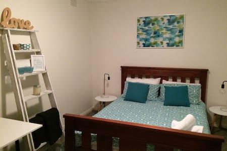 Highton Blue - Bed & Breakfast