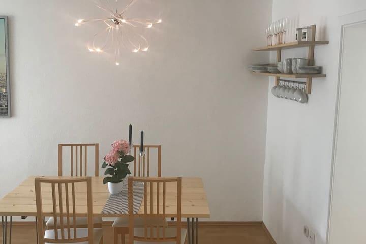 Süße sehr gut eingerichtete Wohnung mit Wlan