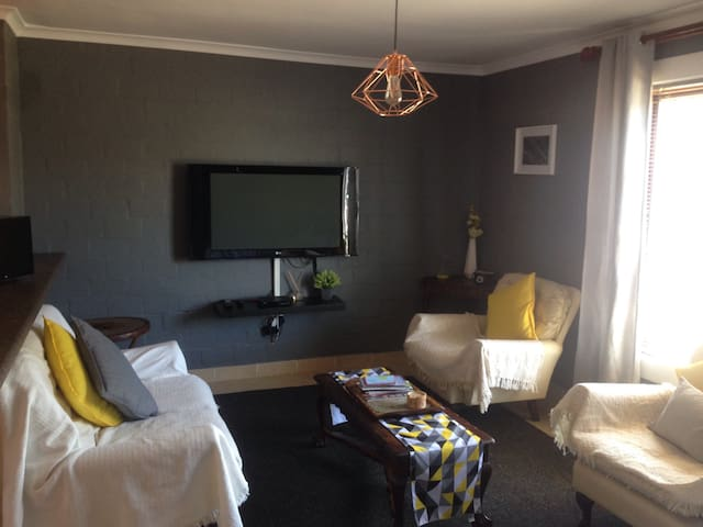 PERFECT Cape Town self-catering apartment!