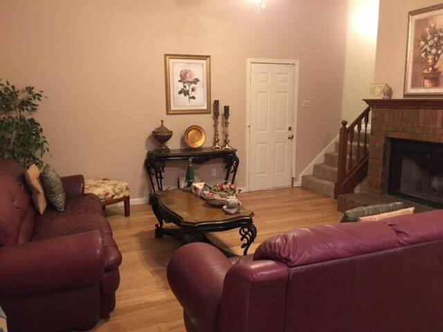ENTIRE upstairs included in PRICE-Sleeps 6