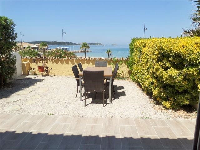 50 m from the beach, Wifi, Air conditioner, sea view...