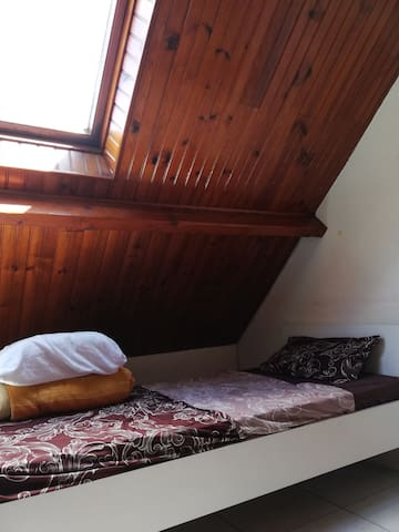 Cozy affordable stay near RER B to Paris center
