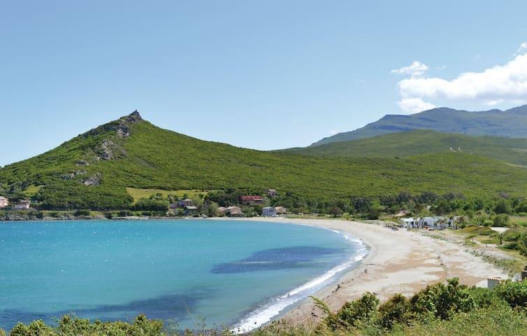 Appartement dans un village du Cap Corse - Cagnano - Selveierleilighet