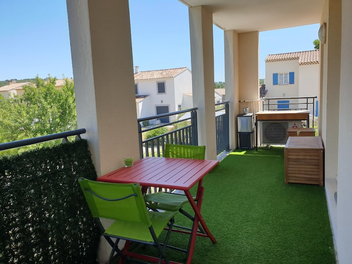 Joli T2 climatisé + belle cuisine et beau balcon