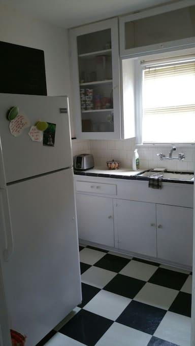 Cute kitchen.