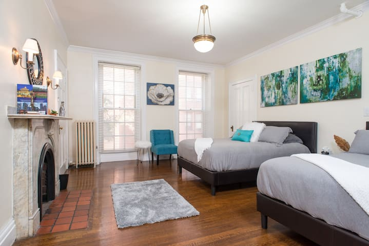 Chic Beacon Hill | Back Bay | Downtown Apartment