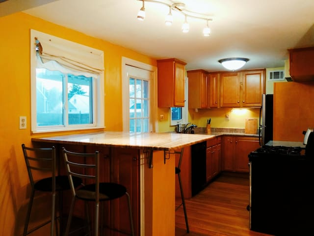 Renovated whole house. private and great area.