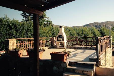 villa vacanze LIMòN con giardino bbq e solarium - 圣特奥多罗 - 独立屋