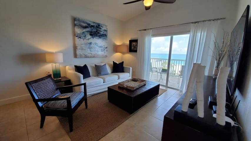 """OVER THE TOP"" Penthouse Villa 2 Bedroom 