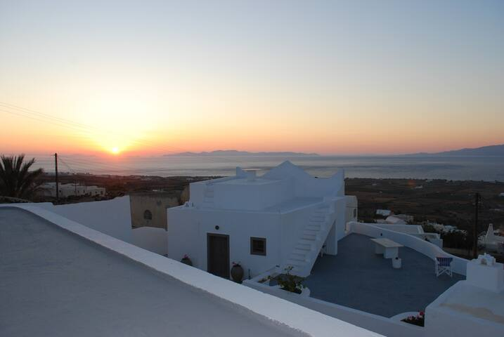 TRADITIONAL  House - Direct Sunset - FINIKIA-Oia