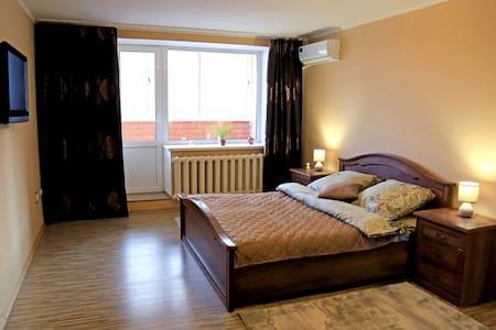 1 - Комнатная квартира на 5 мкр.