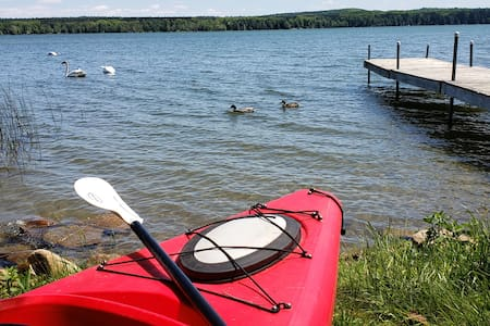Lakefront Cedar Haven-Canoe, Kayak, 1 hr from TO
