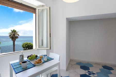 Blue suite vista mare