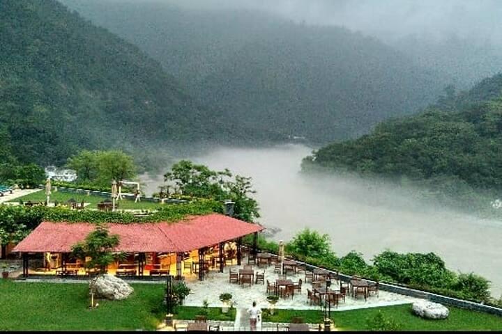 Aloha Luxury 2BD+LR : Stunning Ganges View