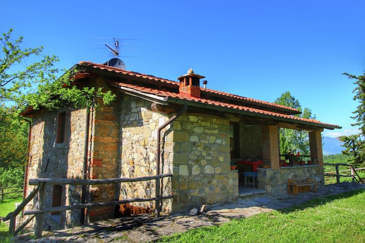 Warm Holiday Home in Ortignano with Swimming Pool