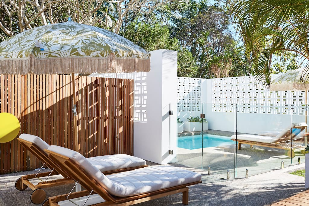 Plunge pool and poolside relaxation space for guest use