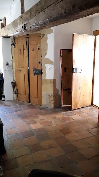 Eingangstüre, grosses Entrée