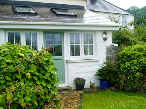 Isfryn Bach - a cosy cottage perfect for two