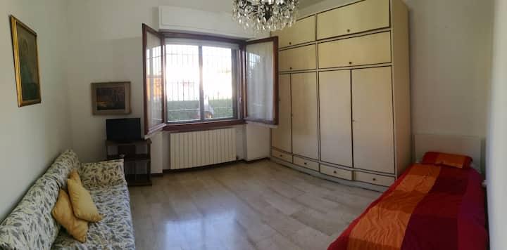 Ampio appartamento collegato a tutti i servizi