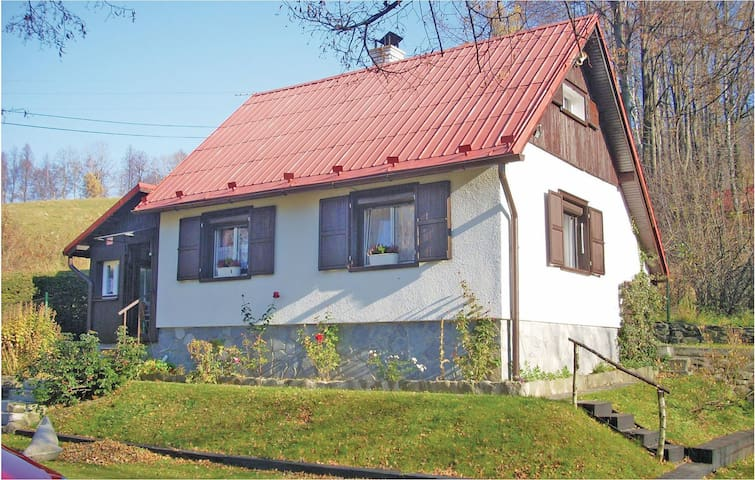 Holiday cottage with 1 bedroom on 80 m² in Moravka