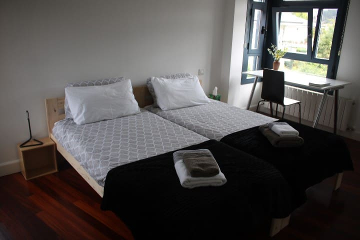 Bed & Breakfast & Parking Encartaciones 15´Bilbao
