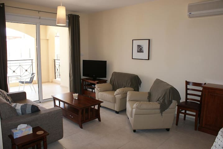 2 bed penthouse apartment - Mazotos - Apartment