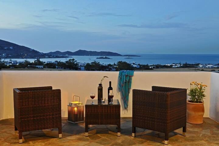 GRBMPAR401- 3 Bdrm villa with Outdoor Jacuzzi
