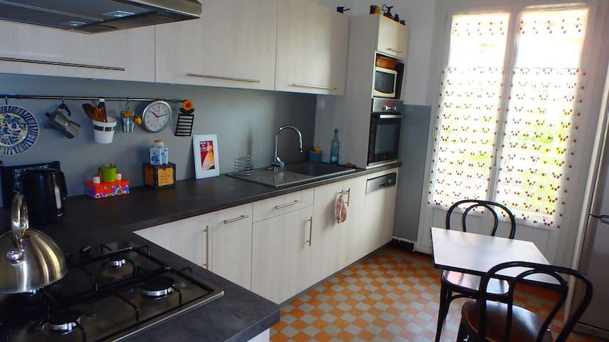 Spacious appartment 1 livingroom + 1 spleepingroom