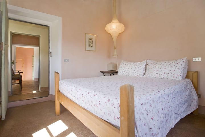 Private room in restored farmhouse Cinqueterre