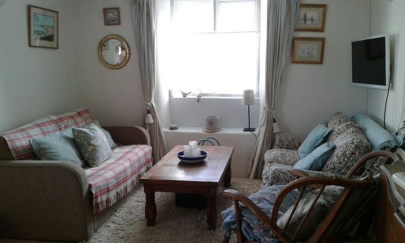 Lovely 2 bedroom cottage in S Devon, Ermington.