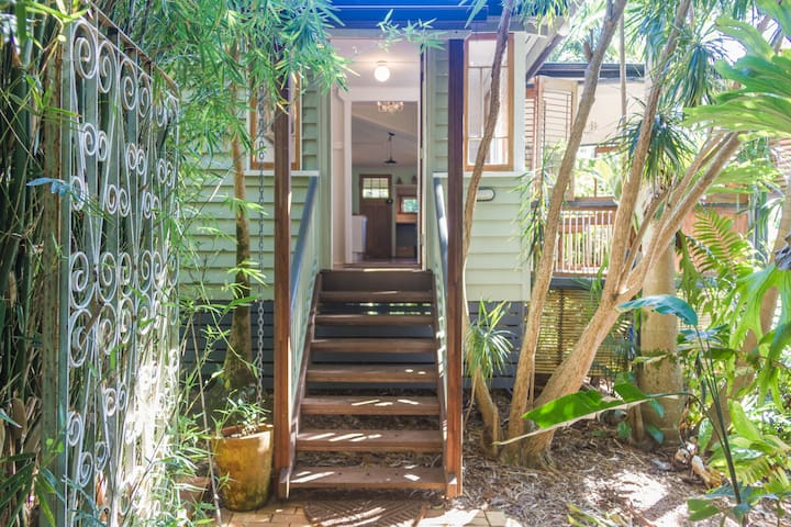 Moon Bird Cottage, Byron Bay Hinterland - Talofa - Casa