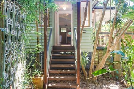Moon Bird Cottage, Byron Bay Hinterland - Talofa - Rumah