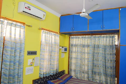 ★Sanitized★ Homestay Private Apt w/WiFi, King Bed