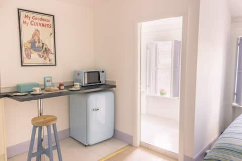 Budget Accommodation Dublin Ireland (Studio 3)
