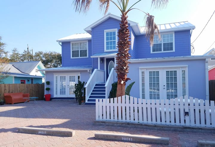 2BR Surf Bunny! Frangista Beach/Pool  EV 2 Charger