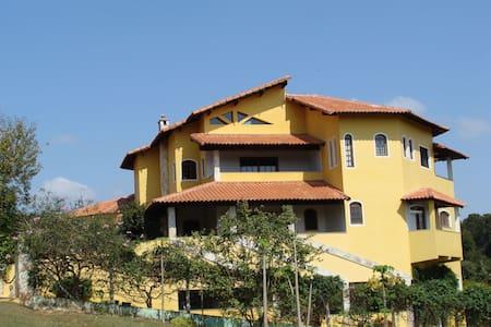 Boituva - Casa Luxuosa em Condomínio Fechado