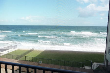 Ocean front 3 bedroom condo w/pool