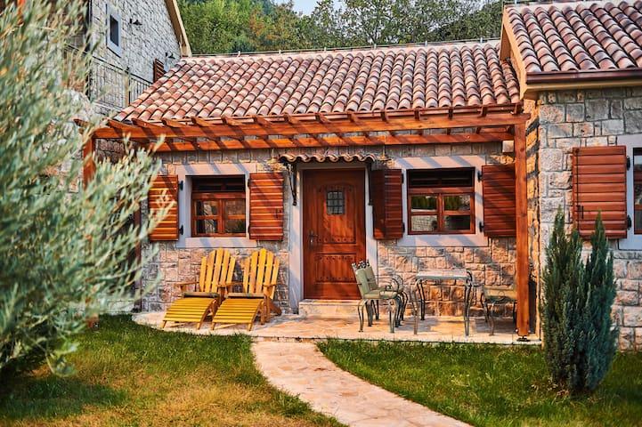 Eco Resort Cermeniza - Villa Chardonnay