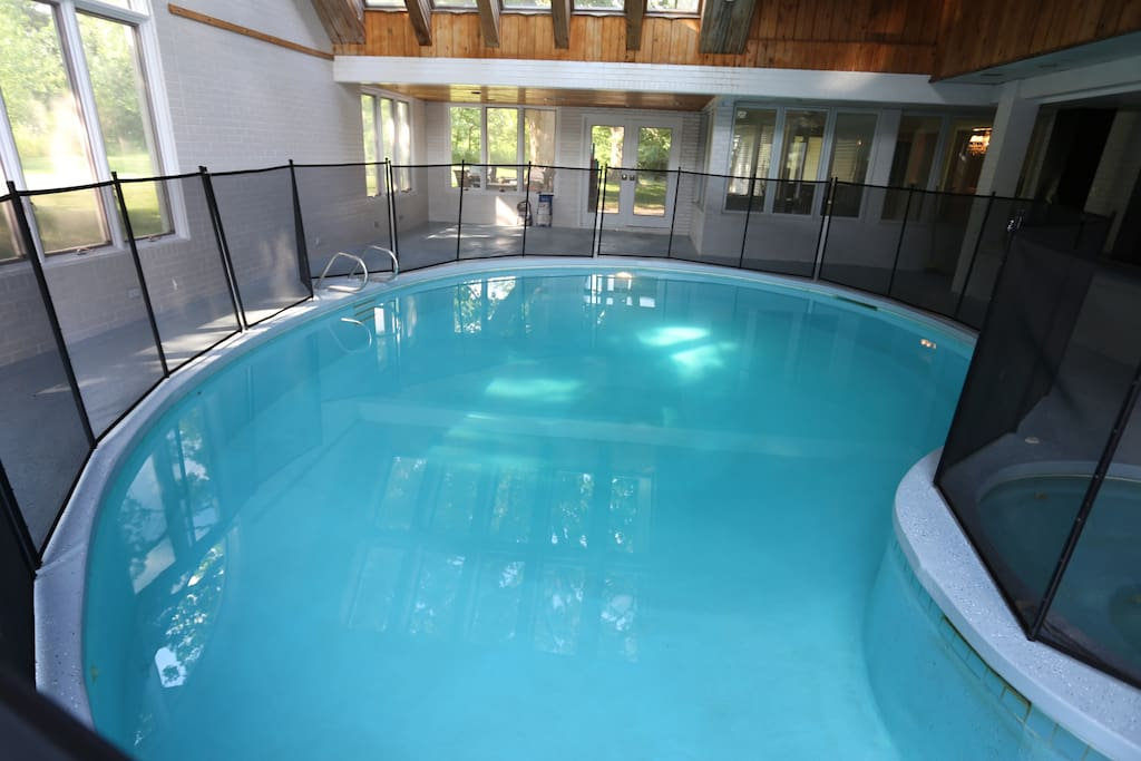 Country Mansion Huge Lot W Indoor Pool Hot Tub Houses For Rent In Naperville Illinois
