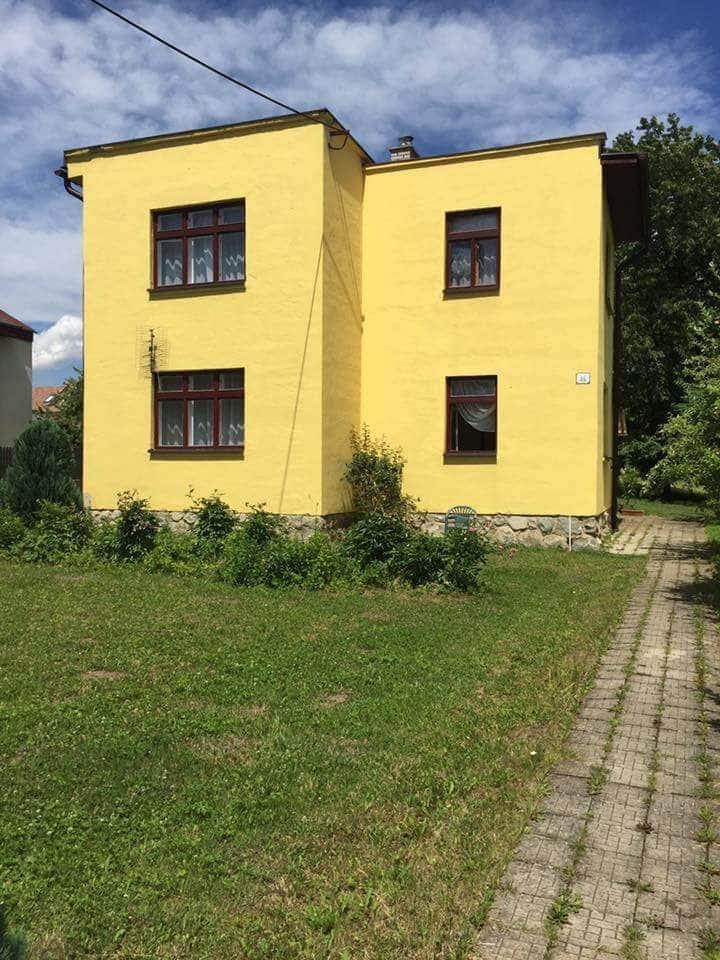 Vilka Slavkov-priestranná vila s krásnou zahradou.