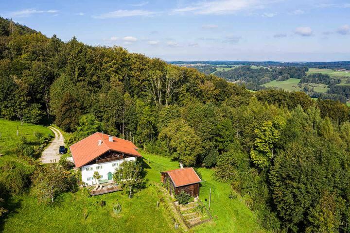 Denkmalgeschütztes Traunsteiner Gebirgshaus, 750 m
