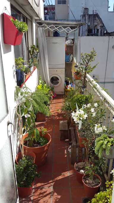 Green balcony with loads of sun, washmachine and dish washer