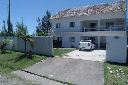 casa na praia do sol/laguana/sc - Laguna - Talo