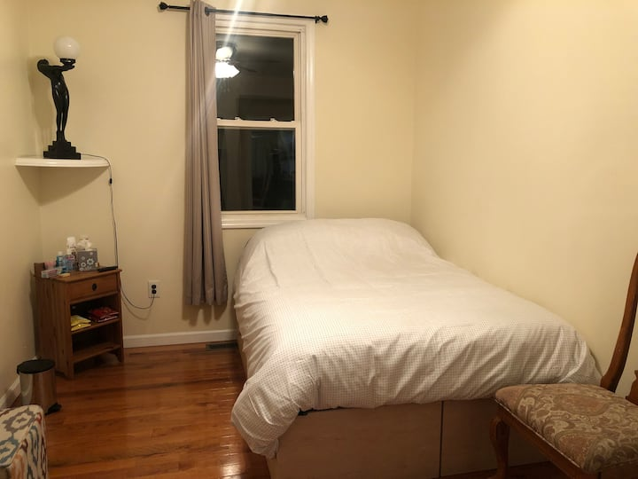 Guest room with lovely amenities