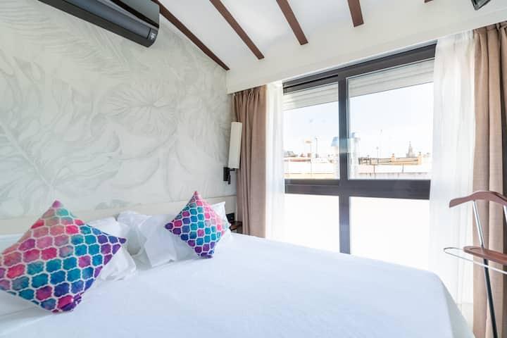 "San Pablo Suites  ""Atico Giralda"""