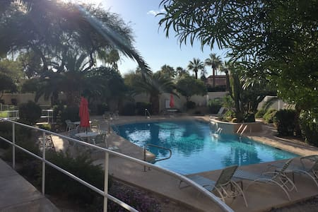 2BD condo w/ heated pool & hot tub - 天堂谷(Paradise Valley) - 公寓