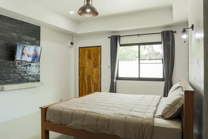 Marvelous Standard Double Room at Bunta House