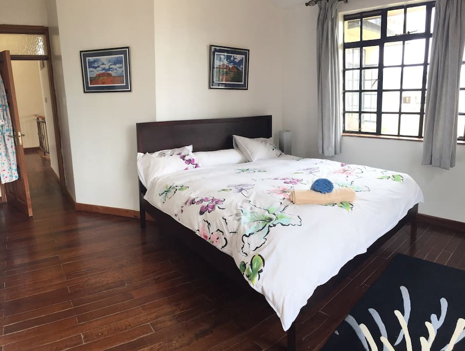 Large bedroom. Large King bed, own bathroom consisting of shower, toilet & sink. Tea, coffee, hairdryer, shampoo, conditioner provided.